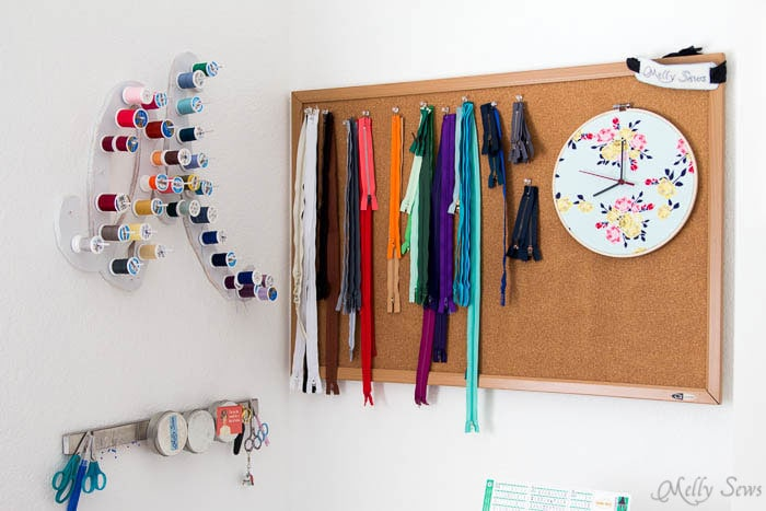 Sewing corner - Make a Clock from an Embroidery Hoop - DIY Sewing Clock - Melly Sews
