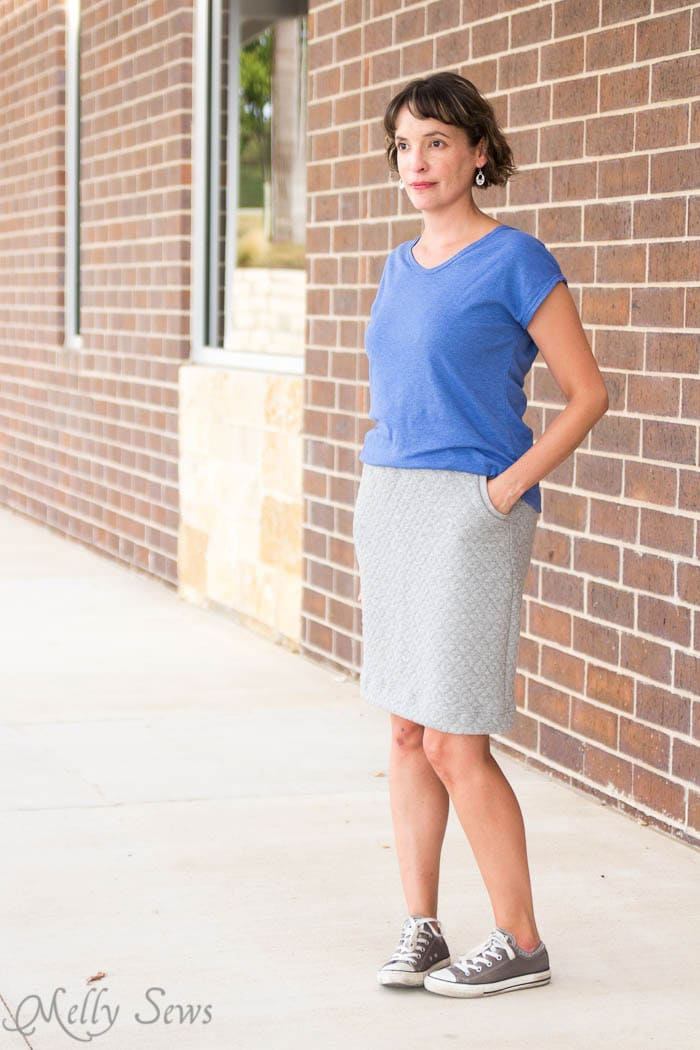 Pencil Skirt and Blanc T Shirt from Blank Slate Patterns - Pencil Skirt Tutorial - sew a simple pencil skirt with pockets with this easy DIY tutorial from Melly Sews
