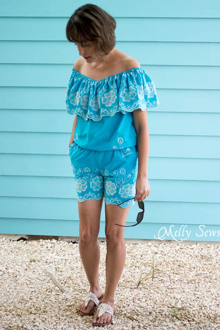 Love! Off the shoulder top - Make this Set - like a Romper, but better! Sew a DIY off the shoulder top and shorts - Melly Sews