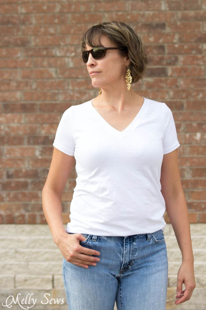 Jeans and a White T Shirt - Iconic Look - Sew a V-neck Women's T-shirt - Use this free pattern and tutorial from Melly Sews