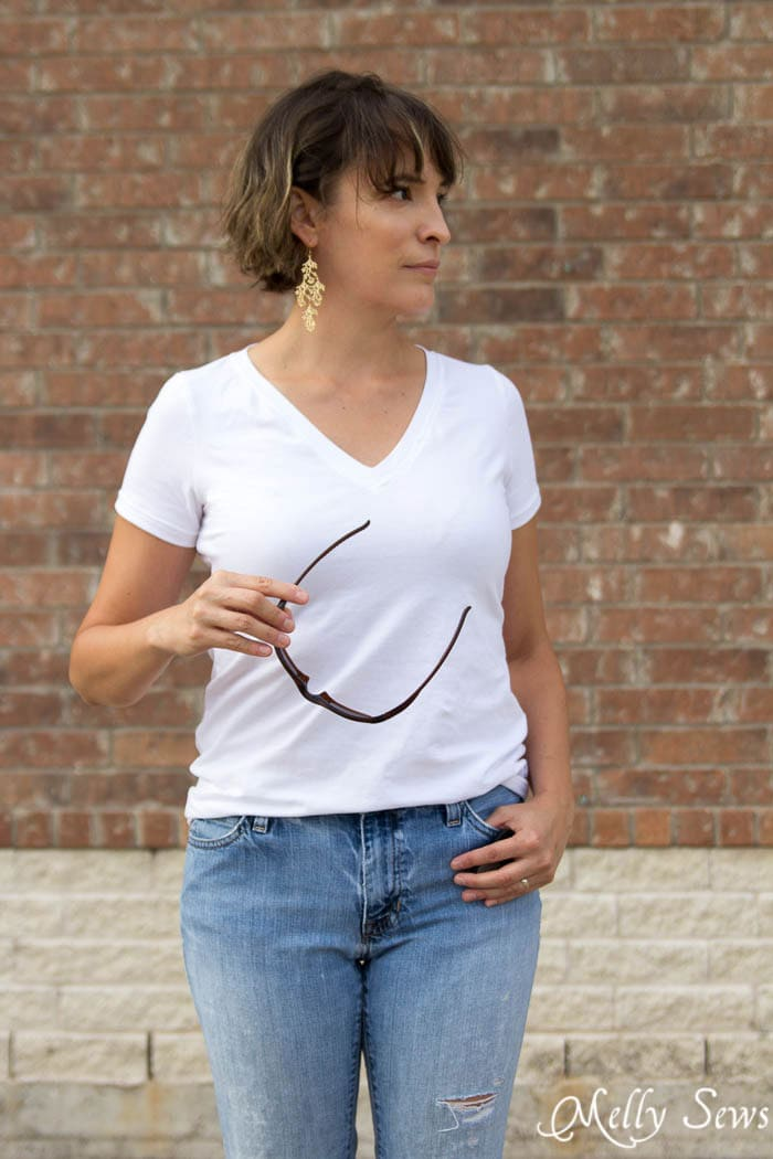 Classic White Tshirt and Jeans - Sew a V-neck Women's T-shirt - Use this free pattern and tutorial from Melly Sews