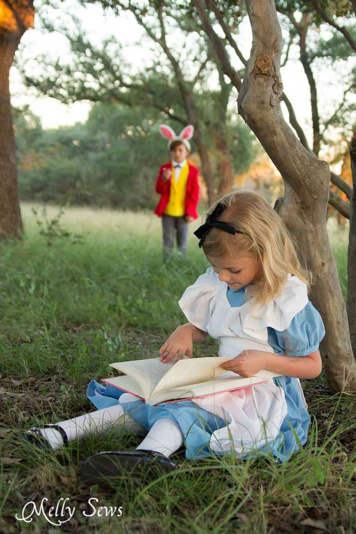 Alice and the White Rabbit - Alice in Wonderland Costume - Sew a DIY Alice in Wonderland costume with a free pattern and tutorial from Melly Sews