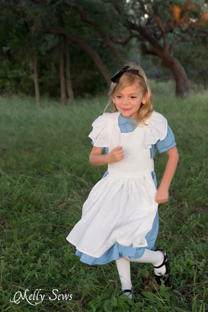 Alice running after the White Rabbit - Alice in Wonderland Costume - Sew a DIY Alice in Wonderland costume with a free pattern and tutorial from Melly Sews