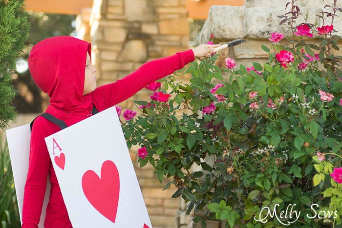 This looks pretty easy to make - DIY Card Soldier Costume from Alice in Wonderland - Tutorial by Melly Sews