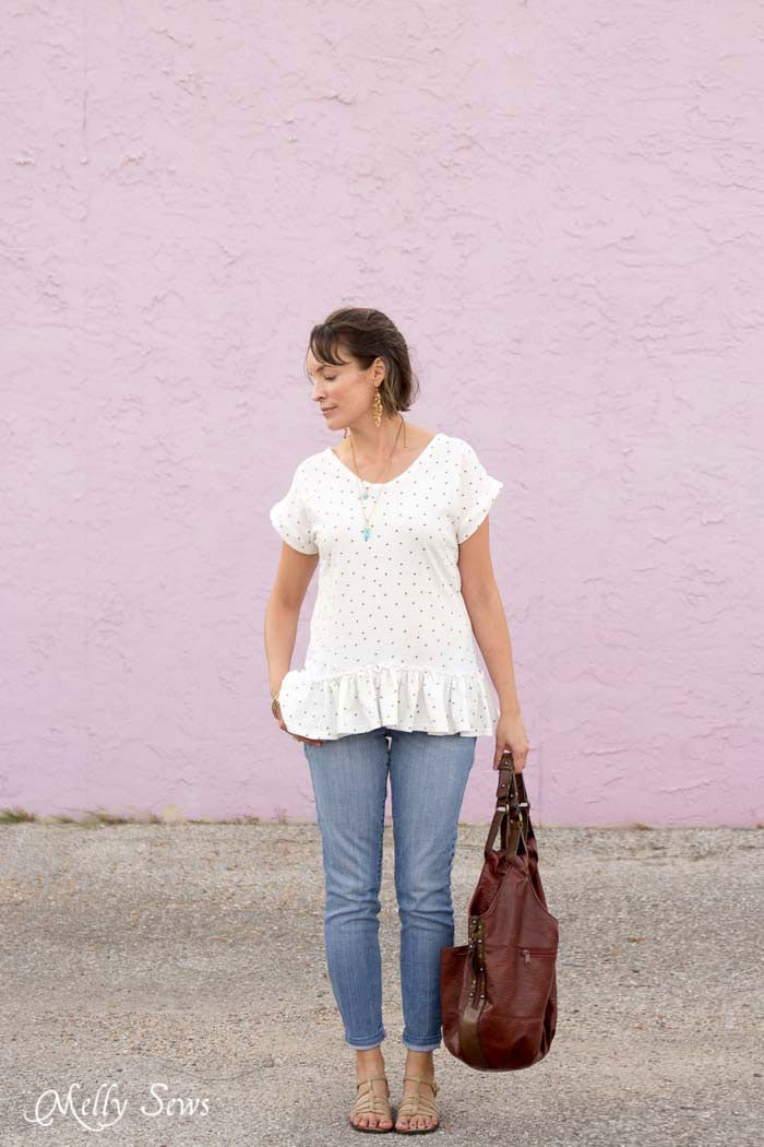 Love this look! Make a ruffled hem tshirt - sew a t-shirt with a ruffle hem using this pattern and tutorial from Melly Sews