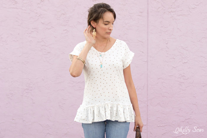 Love! Make a ruffled hem tshirt - sew a t-shirt with a ruffle hem using this pattern and tutorial from Melly Sews
