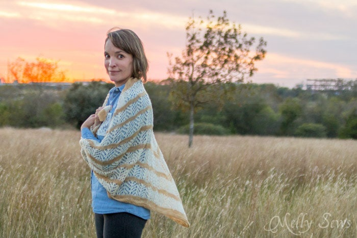 Lace knit shawl - Lorelai Shawl knitting pattern by Very Shannon knitted by Melly Sews