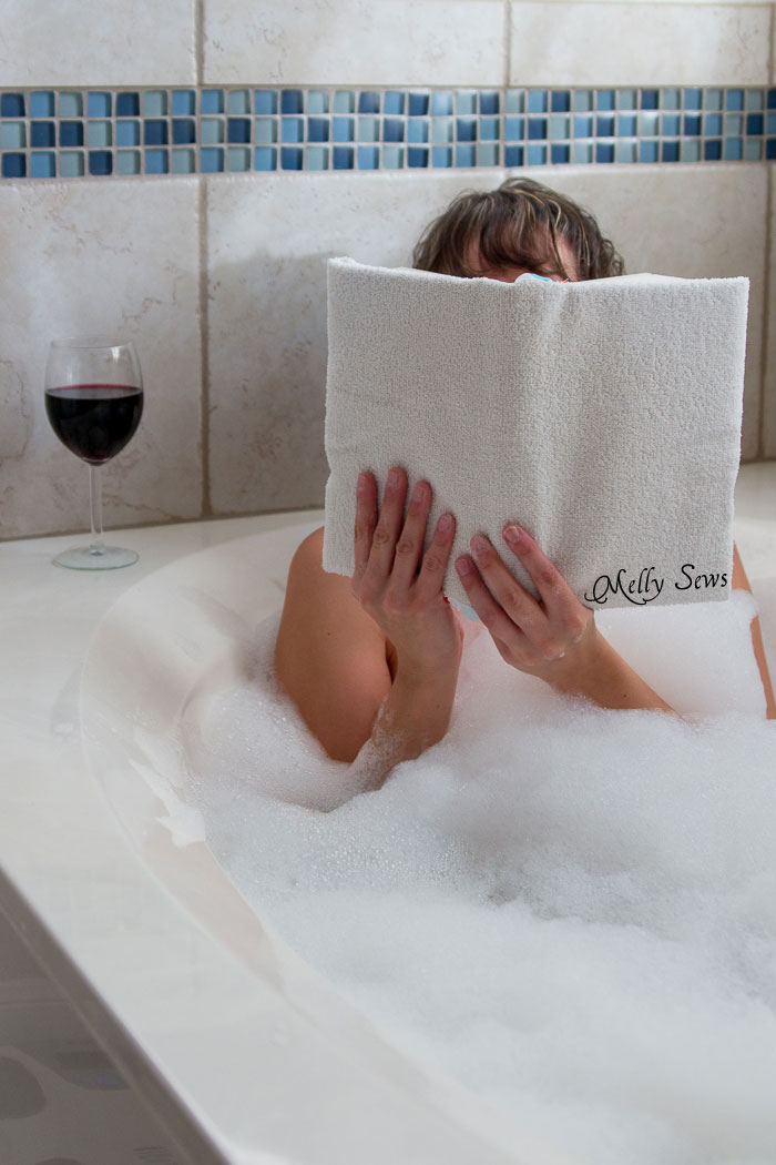 Well that's different! -Great unusual gift idea for the book lover - a Bathtub Book Cover to protect books while in the bath - DIY sewing tutorial by Melly Sews