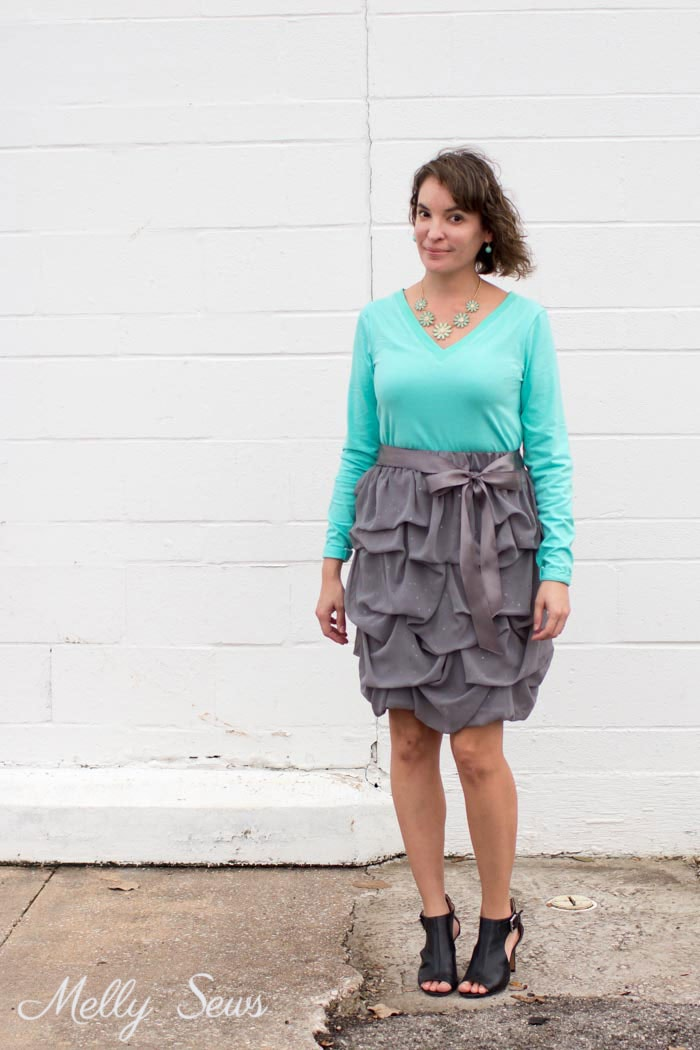 Mint and gray outfit - Sew a V-neck Women's T-shirt - Use this free pattern and tutorial from Melly Sews. Every girl needs this!