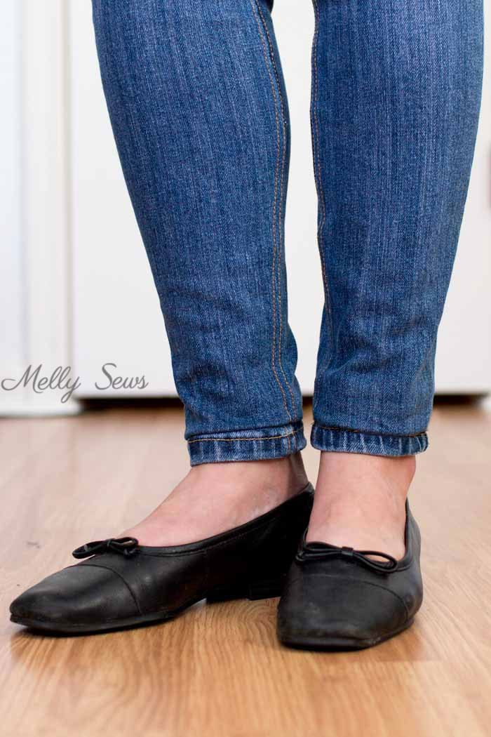 Hemmed Skinny Jeans - How to Hem Jeans - Use this method to keep the original hem and the wear and distress on it - Melly Sews