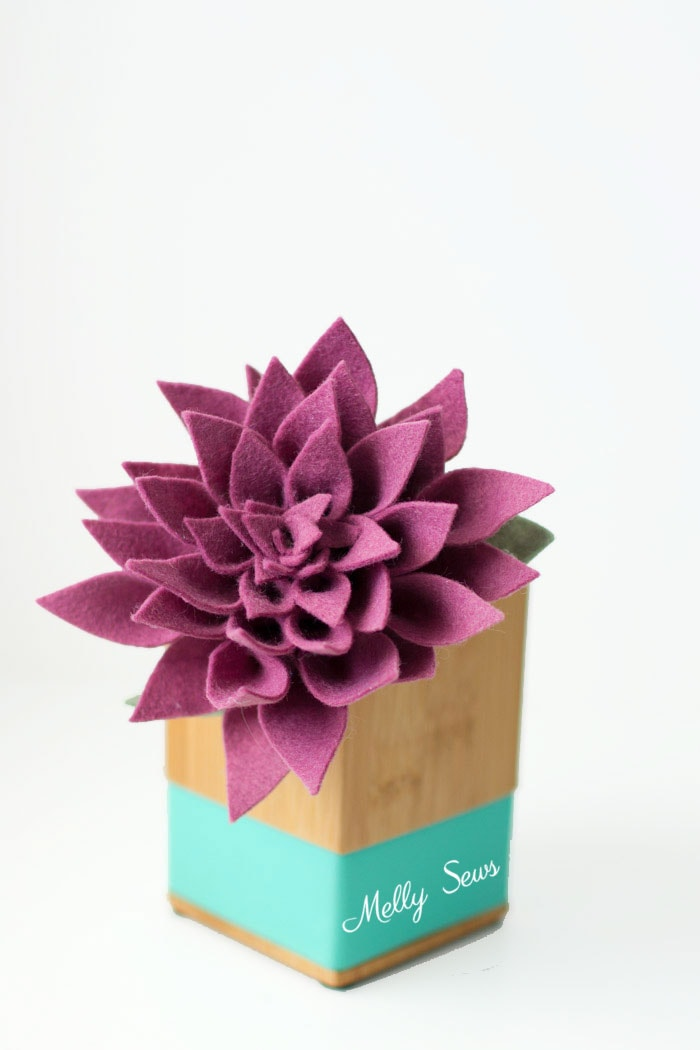 Stunning! How to make a felt dahlia - felt flower tutorial by Melly Sews