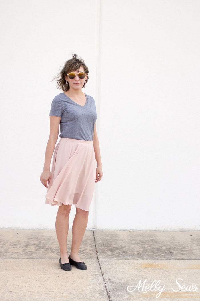 Love this casual skirt look - How to Sew a Circle Skirt - DIY Circle Skirt with a Waistband - Melly Sews
