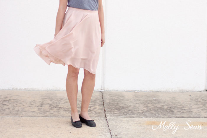 So pretty! - How to Sew a Circle Skirt - DIY Circle Skirt with a Waistband - Melly Sews