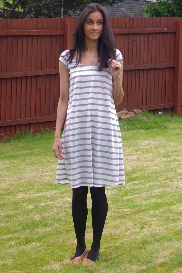 Fairelith Top sewing pattern from Blank Slate Patterns | sewn by _ym.sews_ | swing dress hack