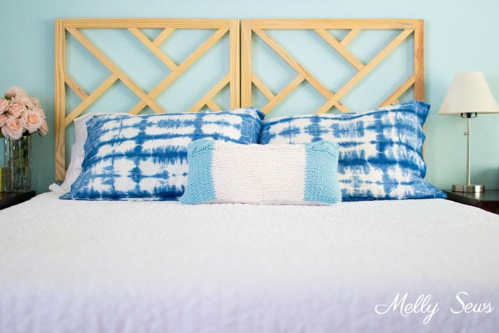Blue Bedroom - Cable Knit Pillow - Pattern and Tutorial by Melly Sews