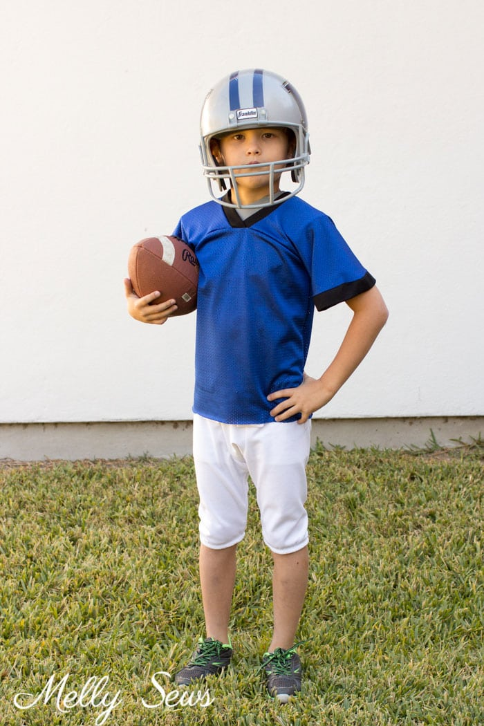 Football Play Costume - DIY Football Costumes - How to Make a Football Player Costume, How to Make a Cheerleader Costume, How to Make a Dance Squad Costume - Melly Sews Group Halloween Costume