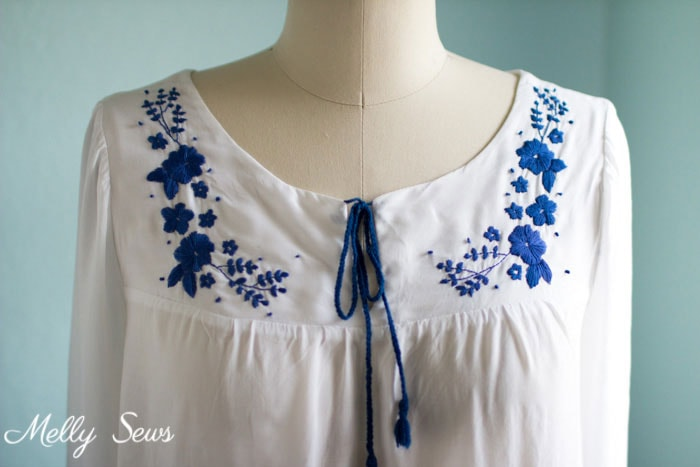 Love the Hand Embroidery! - Embroidered Peasant Top - Valetta Pattern by Blank Slate Patterns sewn by Melly Sews - DIY Fashion
