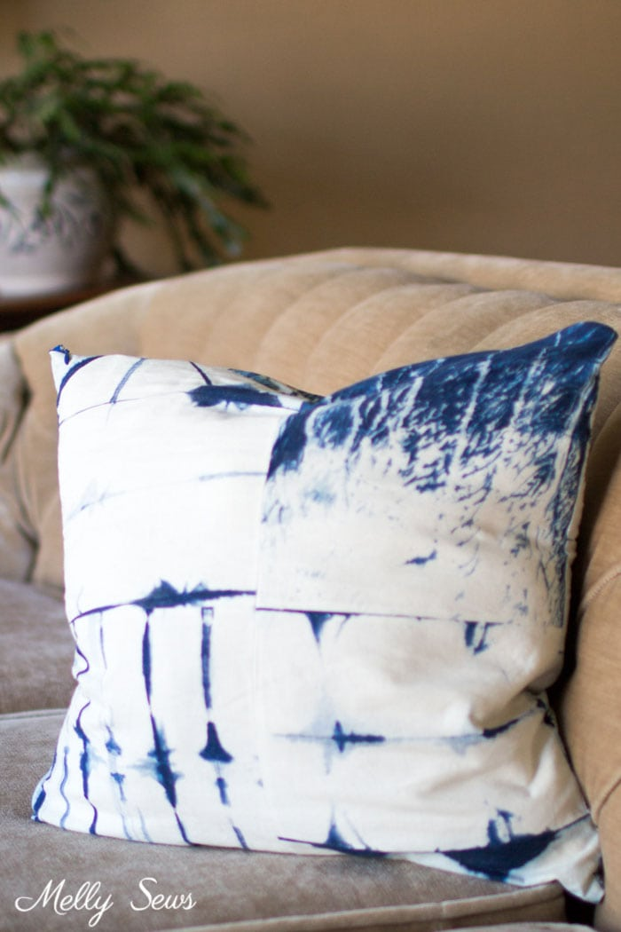 Shibori Dyed Pillow on Chesterfield - How to Sew a Pillow with an Invisible Zipper - Pillow Cover with Zipper - Video tutorial by Melly Sews
