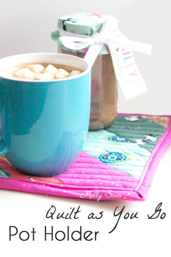 Sew a pot holder - quilt as you go - great scrapbuster - easy to make gift - DIY tutorial by Melly Sews