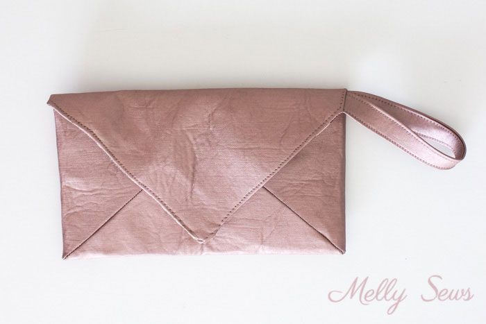 Closed - DIY Wristlet Tutorial - Make an Envelope Clutch Style bag with this free pattern from Melly Sews