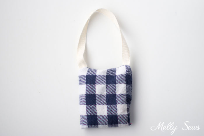 Flannel - DIY Natural Air Fresheners - Make these Car Air Fresheners using natural ingredients - tutorial by Melly Sews