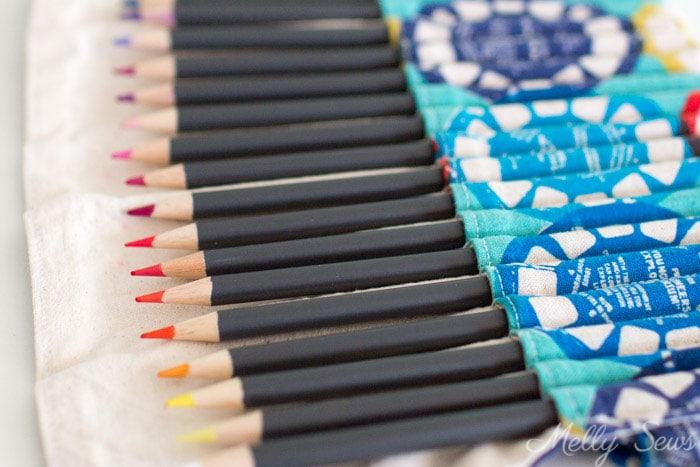 Sew a Pencil Roll - DIY Crayon Roll - Tutorial by Melly Sews