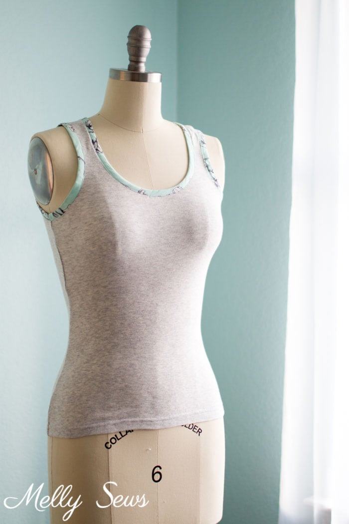 Sew a Tank Top - Tutorial and free pattern for a tank top or singlet - Melly Sews