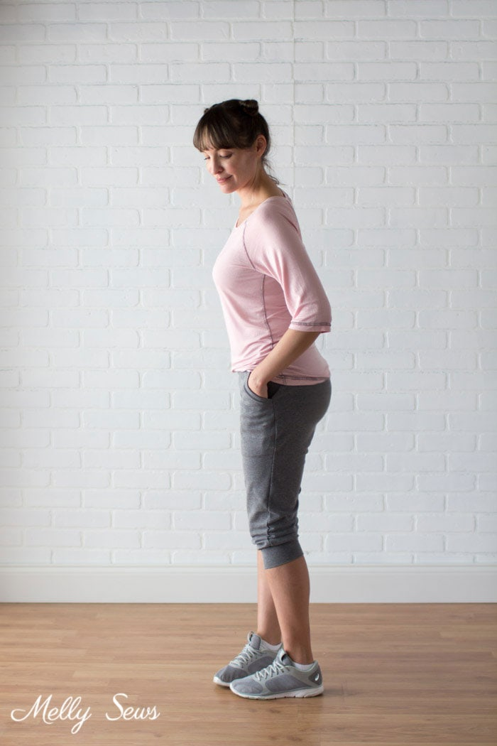 Raglan and Joggers Outfit - How to Sew a Flatlock Stitch on your Serger or Overlocker - Flatlock Hem with Serger - Melly Sews