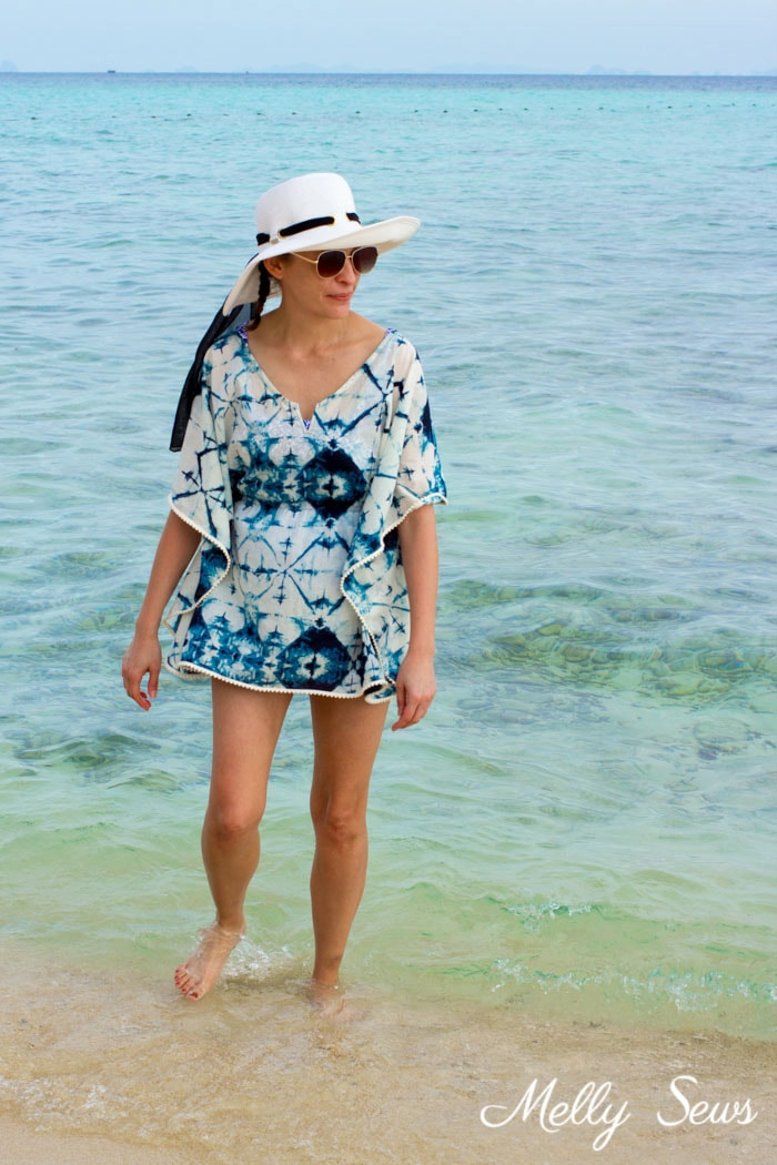 What to pack for a beach vacation - Make a beach cover up - Easy and cute DIY tutorial - sew a swimsuit cover - Melly Sews