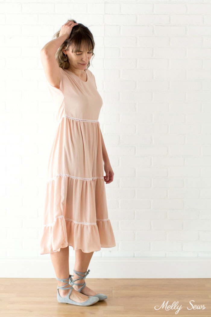 Love this dress! Boho Style Tiered Dress - Tutorial to sew a tiered dress using a free pattern - Melly Sews
