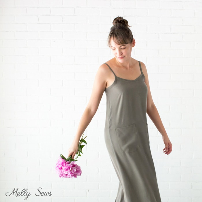 Casual sundress - Sew a simple maxi dress - perfect for summer - DIY tutorial by Melly Sews