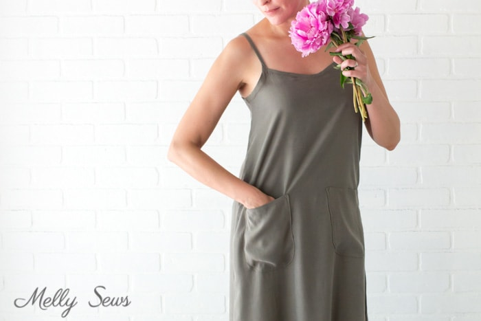 Pockets and peonies - Sew a simple maxi dress - perfect for summer - DIY tutorial by Melly Sews