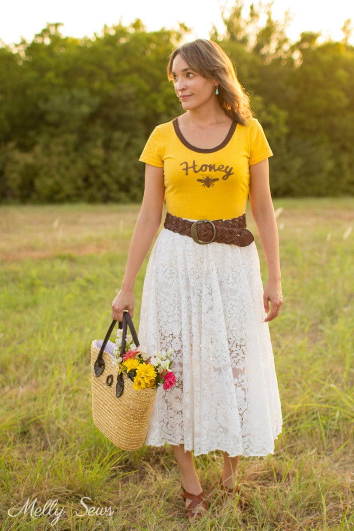 Vintage lace skirt - Turn a vintage table cloth into a skirt - sustainable sewing tutorial by Melly Sews
