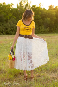 T-shirt and lace skirt outfit - Turn a vintage table cloth into a skirt - sustainable sewing tutorial by Melly Sews