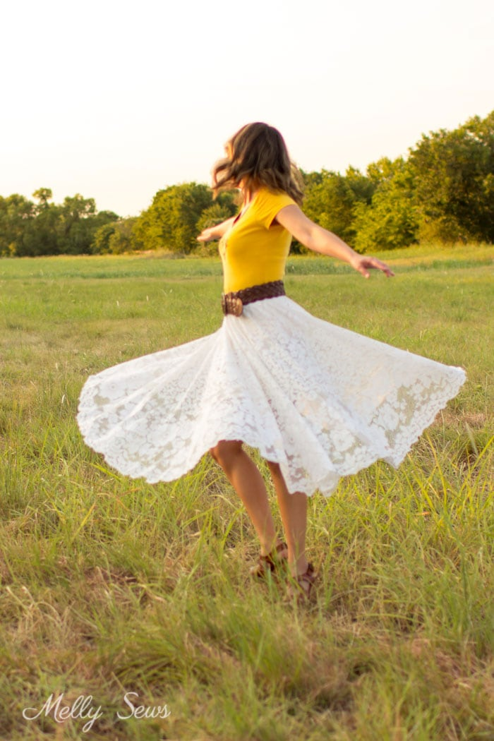 Twirling skirt - Turn a vintage table cloth into a skirt - sustainable sewing tutorial by Melly Sews