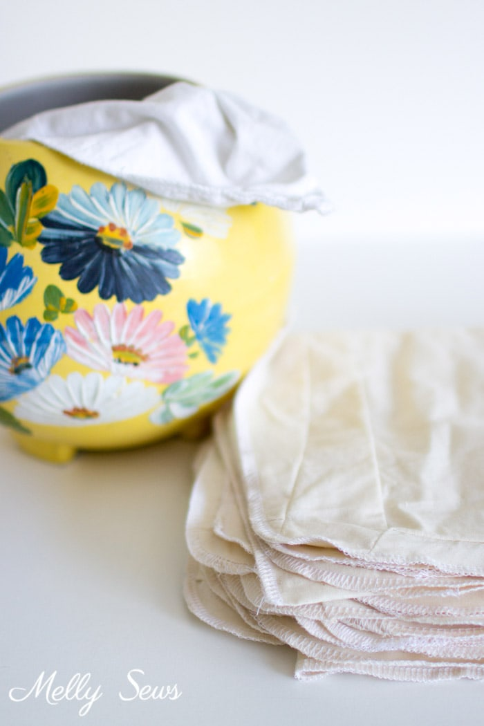 This is so smart - How to Make Reusable Paper Towels - Use your Fabric Scraps in an Eco Sewing Project - Melly Sews