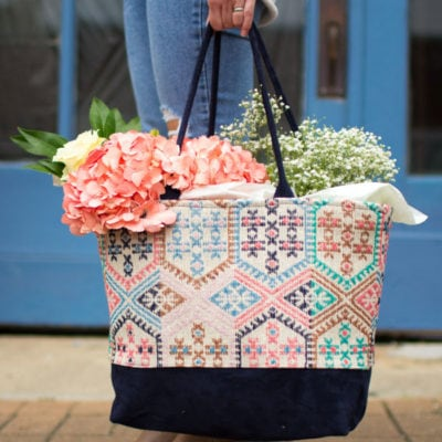 Tote Bag full of flowers - Saturday errands - Colleen Tote pattern by Love You Sew - sewn by Melly Sews