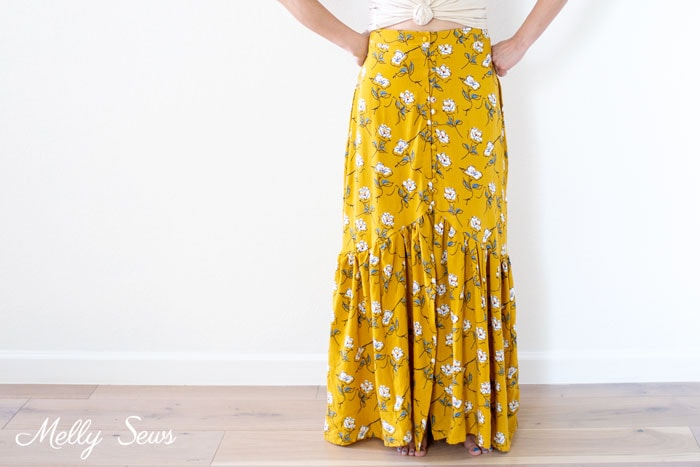 Ruffled maxi skirt - Sew a floral skirt - boho ruffled yellow skirt - DIY tutorial by Melly Sews