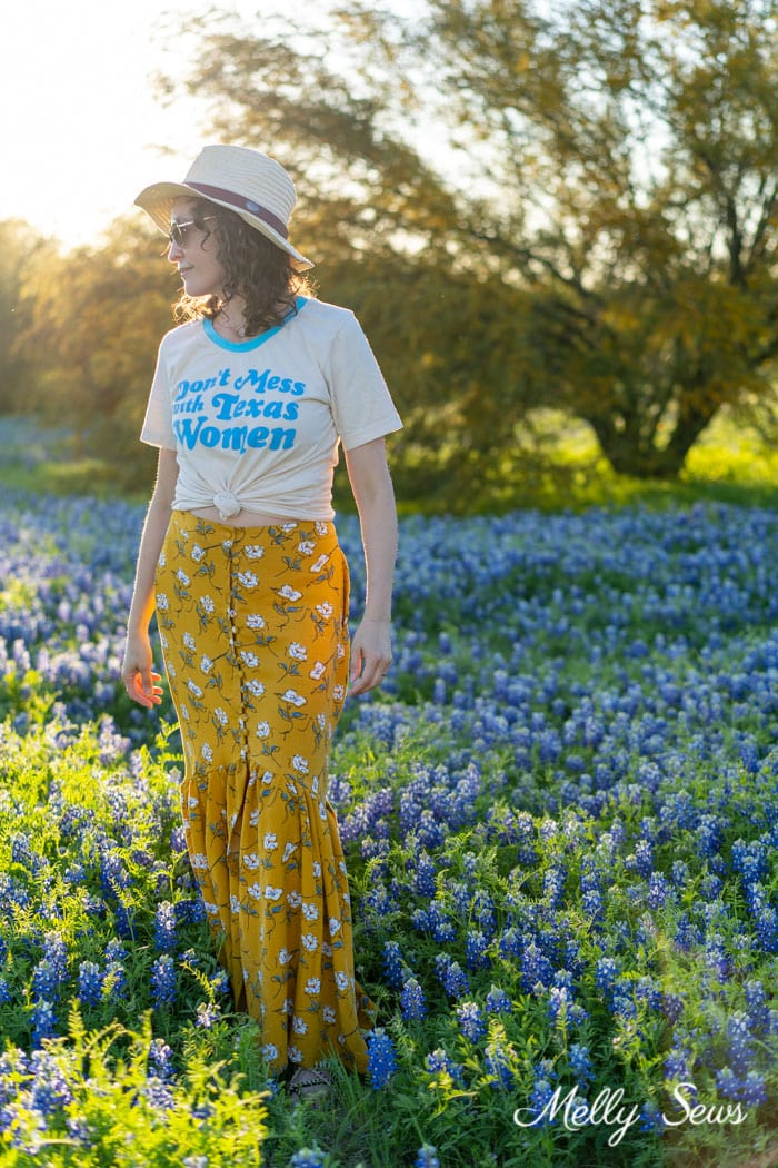 Texas casual outfit - Sew a floral skirt - boho ruffled yellow skirt - DIY tutorial by Melly Sews