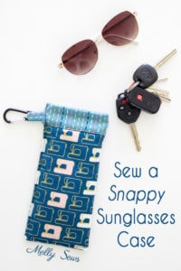 Sew a snap pouch closure glasses case using a measuring tape - no zipper needed and your glasses can't fall out! Melly Sews DIY tutorial