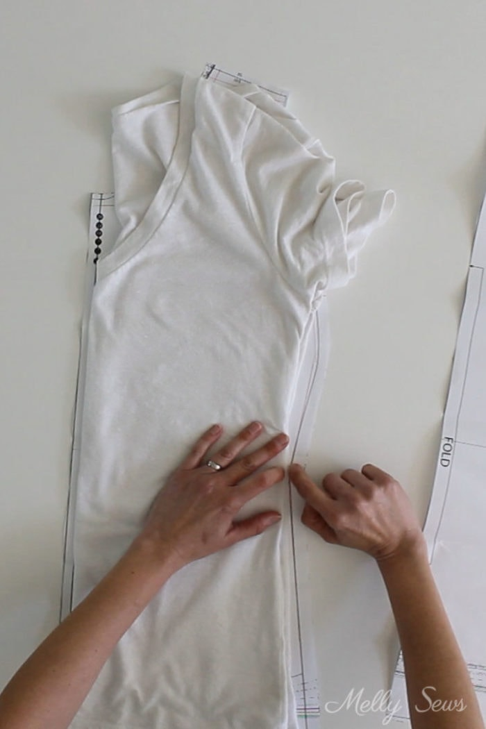 Comparison of a ready to wear t-shirt to a sewing pattern to estimate fit